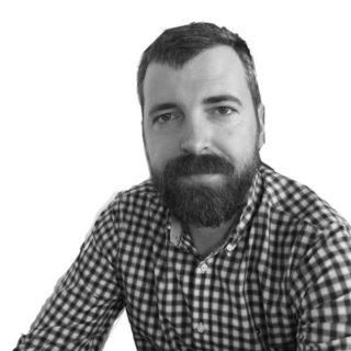 https://summ-it.ro/wp-content/uploads/2015/12/Adrian_Rindasu_600x600-320x320.jpg